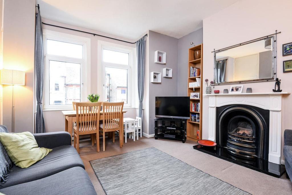 3 Bedrooms Flat for sale in Devonshire Road, Forest Hill, SE23