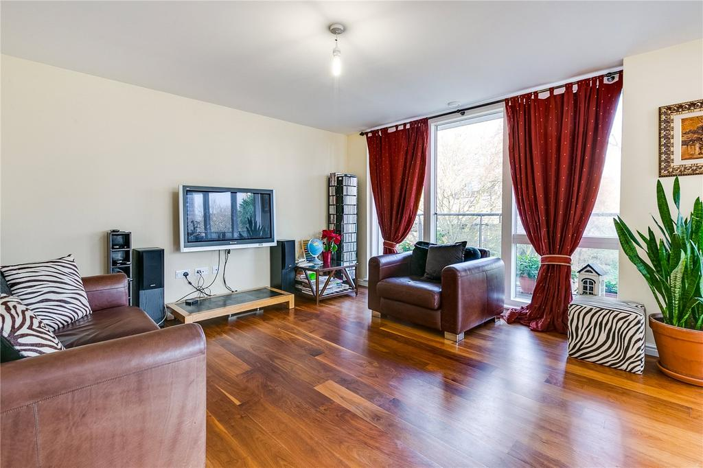 2 Bedrooms Flat for sale in Beecham House, Clayponds Lane, Brentford, Middlesex