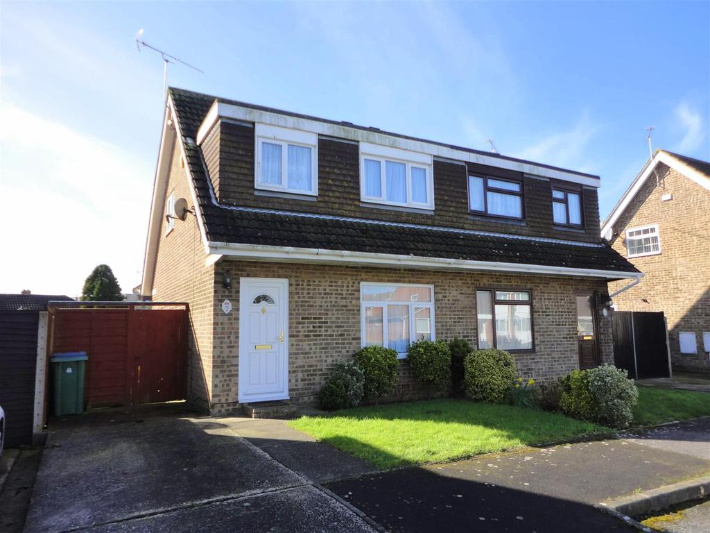 3 Bedrooms Semi Detached House for sale in Ravens Way, North Bersted