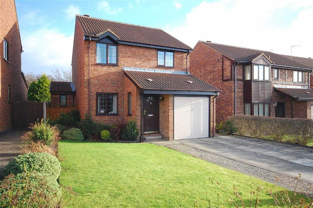 3 Bedrooms Detached House for sale in Meadow Road, Garforth, Garforth, LS25