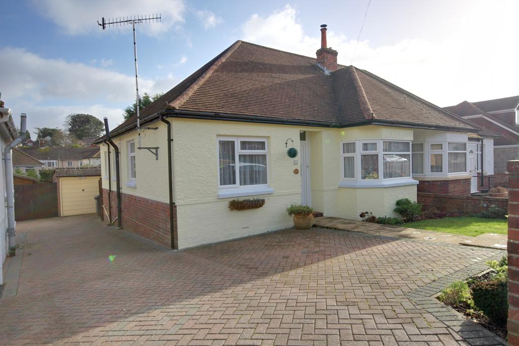 2 Bedrooms Semi Detached Bungalow for sale in WIDLEY