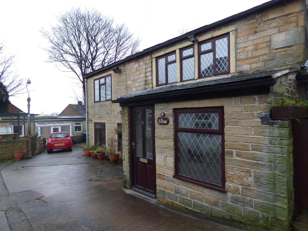 4 Bedrooms Detached House for sale in Pot House Road, Wibsey, Bradford, BD6 1UD