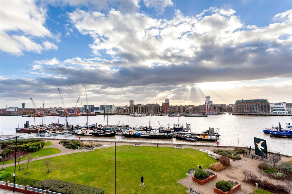 2 Bedrooms Flat for sale in Wapping High Street, London, E1W