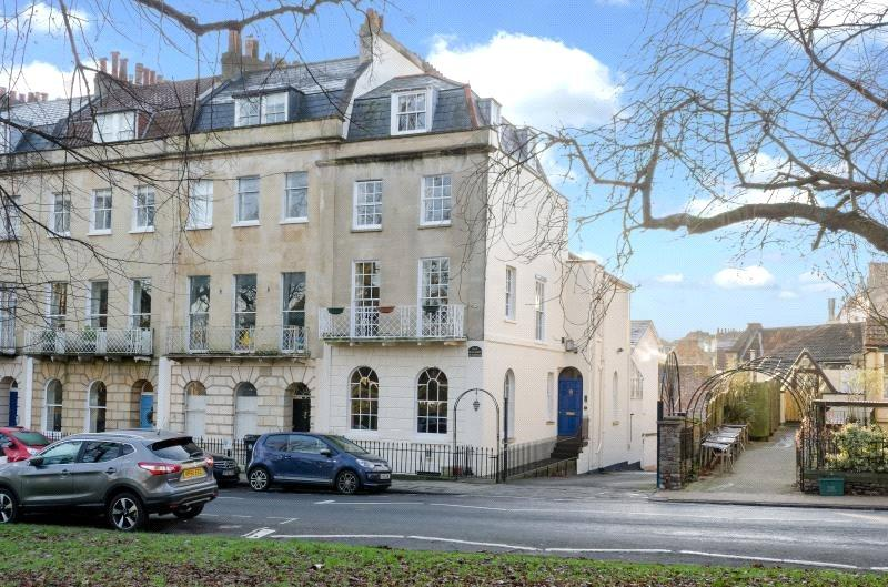 4 Bedrooms Terraced House for sale in Beaufort Buildings, Suspension Bridge Road, Bristol, BS8