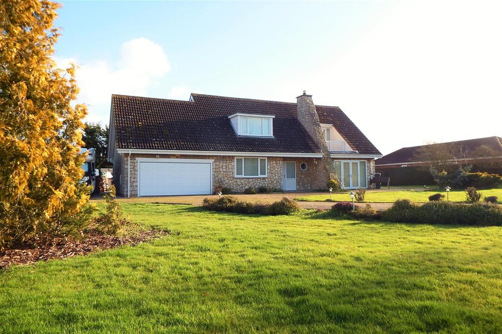4 Bedrooms Chalet House for sale in Cul De Sac, Stickford, Boston