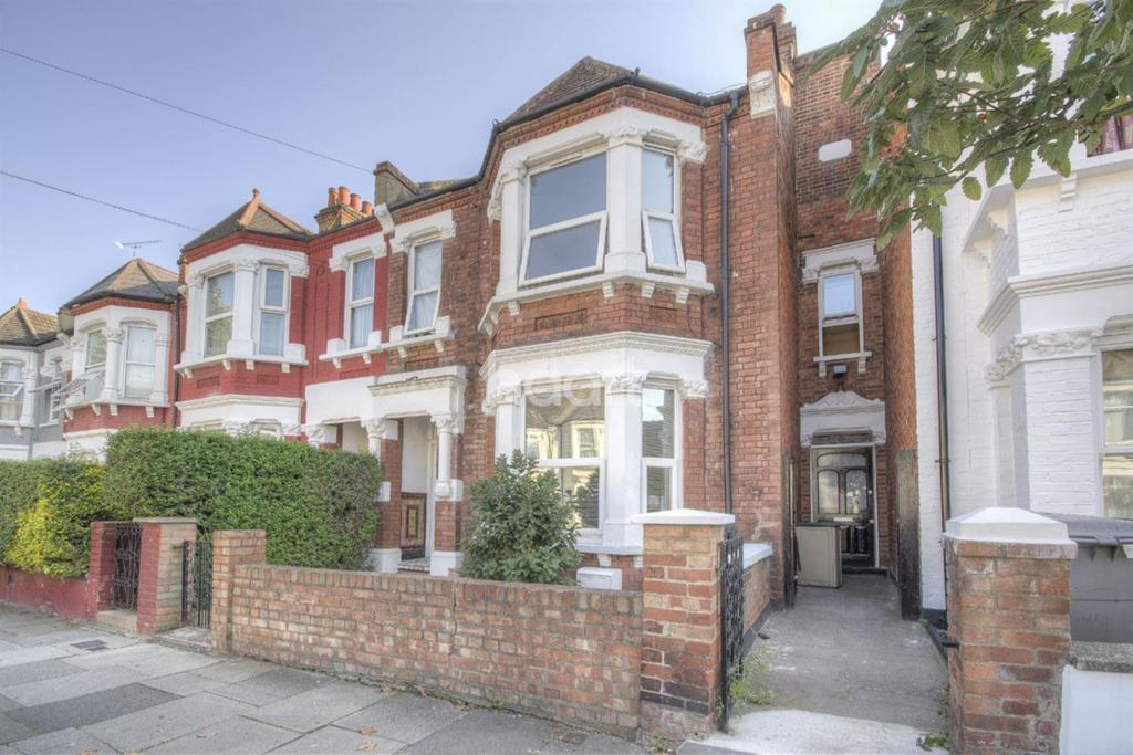 2 Bedrooms Flat for sale in Churchill Road, NW2