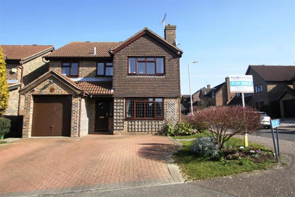4 Bedrooms Detached House for sale in Boleyn Close, Billericay, Essex, CM12 OYZ
