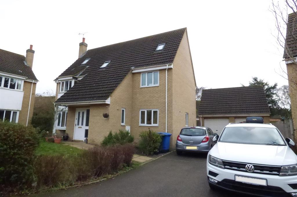 6 Bedrooms Detached House for sale in Kitchener Close, Lakenheath