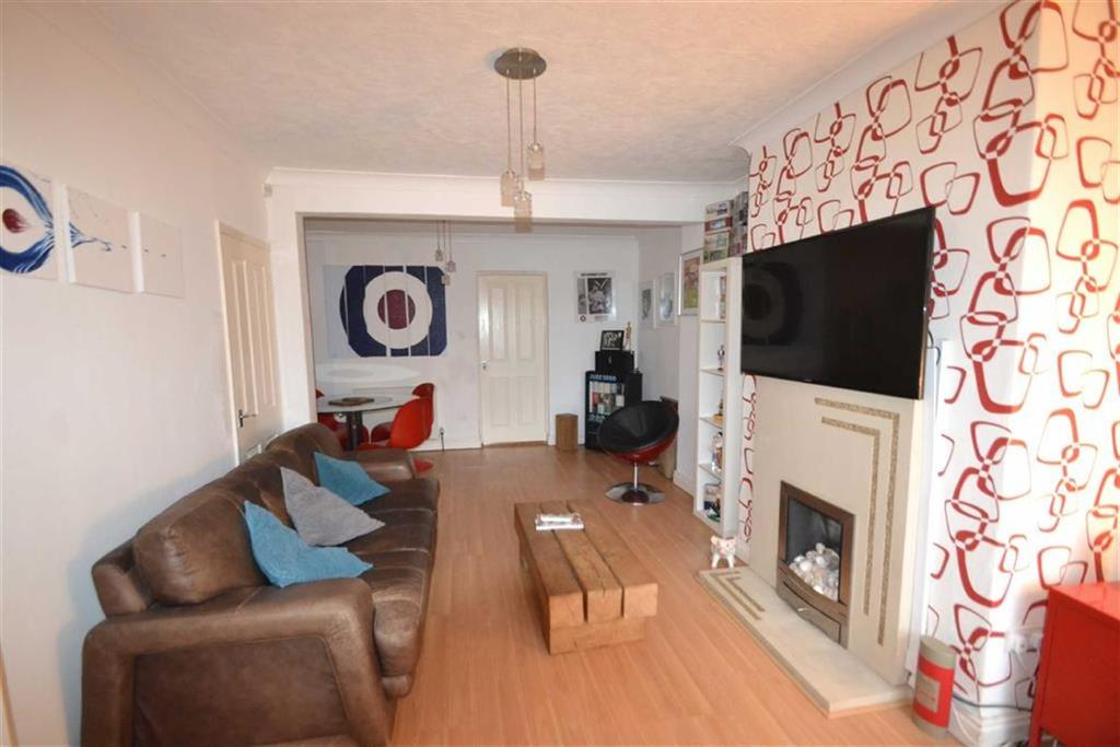 3 Bedrooms Semi Detached House for sale in Ilford Road, Hull