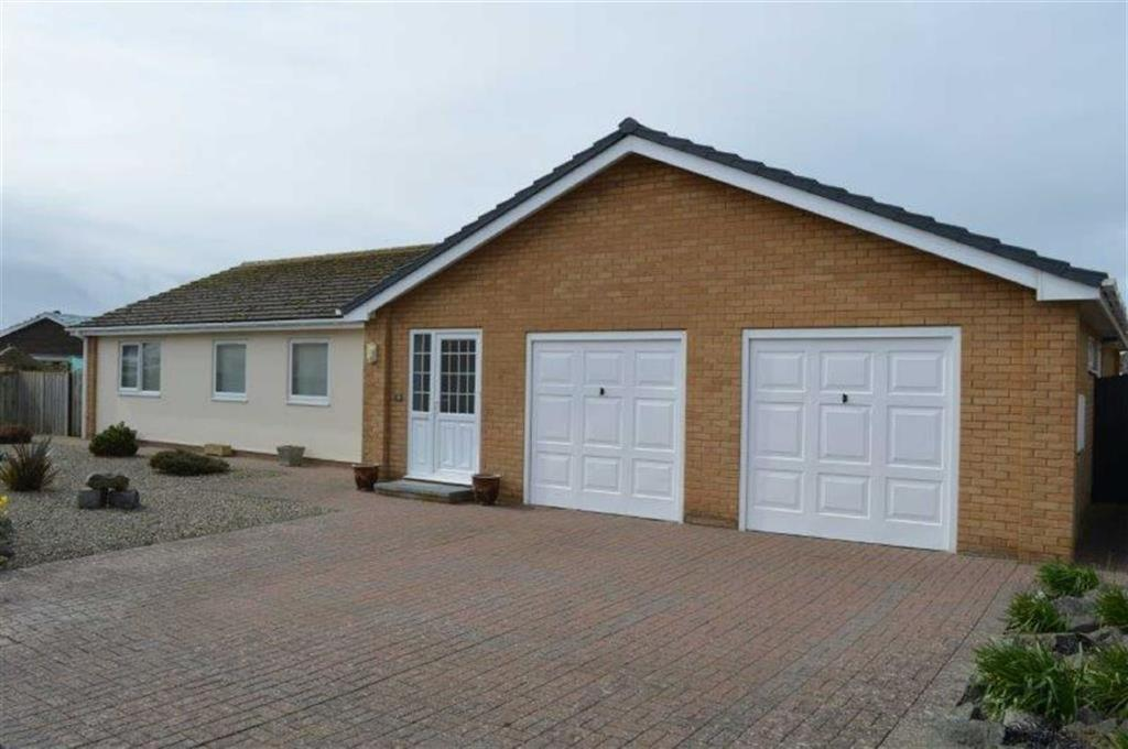 5 Bedrooms Detached Bungalow for sale in 39, Plas Edwards, Tywyn, Gwynedd, LL36