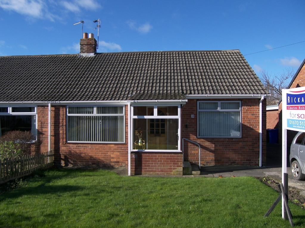 2 Bedrooms Semi Detached Bungalow for sale in Broom Close, Morpeth