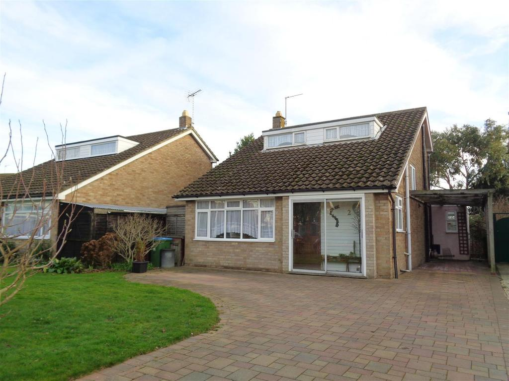 3 Bedrooms Detached House for sale in The Glade, Pagham