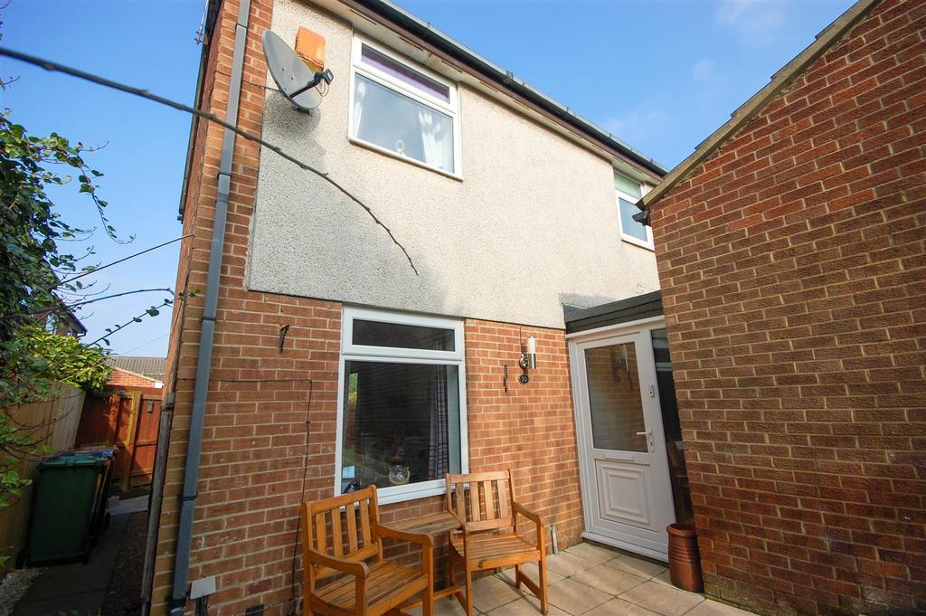 2 Bedrooms Semi Detached House for sale in Canonsfield Close, Sunderland