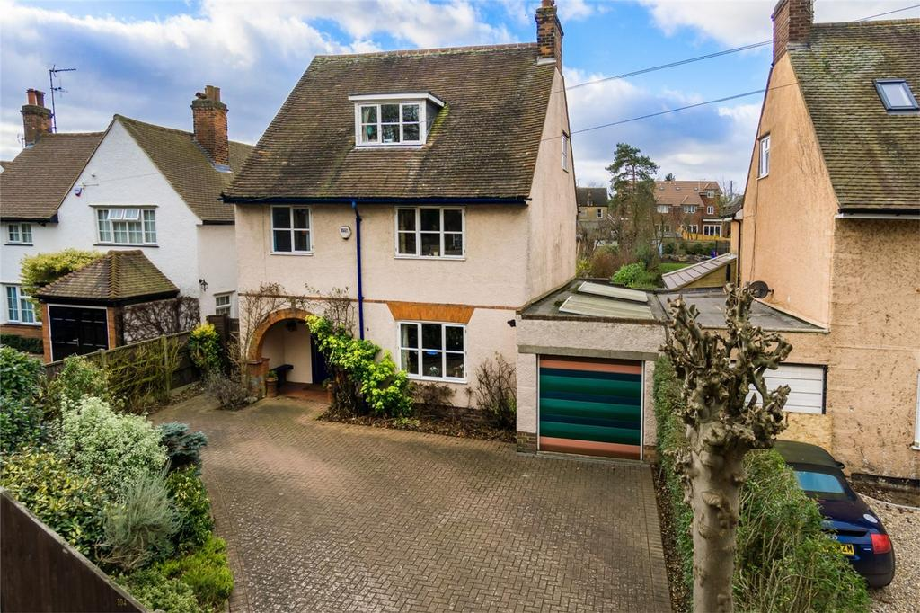 5 Bedrooms Detached House for sale in London Road, KNEBWORTH, Hertfordshire