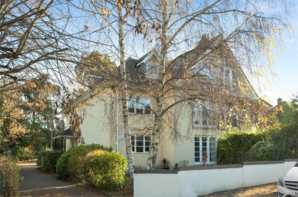 2 Bedrooms Flat for sale in Onslow Court, 61 Cranley Road, Guildford, Surrey