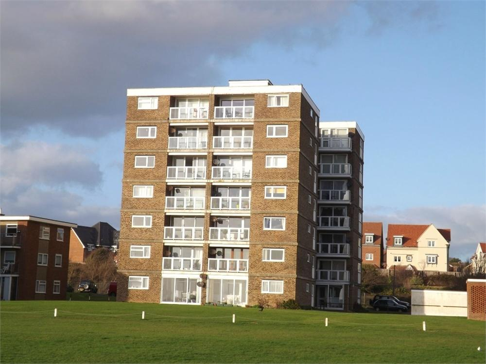 2 Bedrooms Flat for sale in Sutton Place, Bexhill-on-Sea, East Sussex