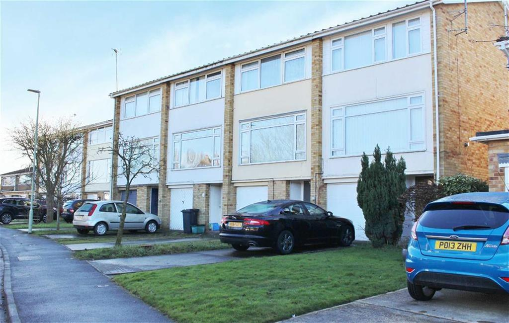 3 Bedrooms Terraced House for sale in Fairmile Gardens, Gloucester