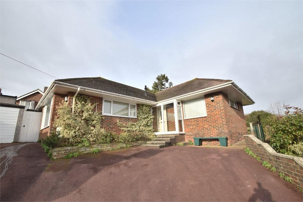 2 Bedrooms Detached Bungalow for sale in Selsfield Close, Eastbourne, East Sussex