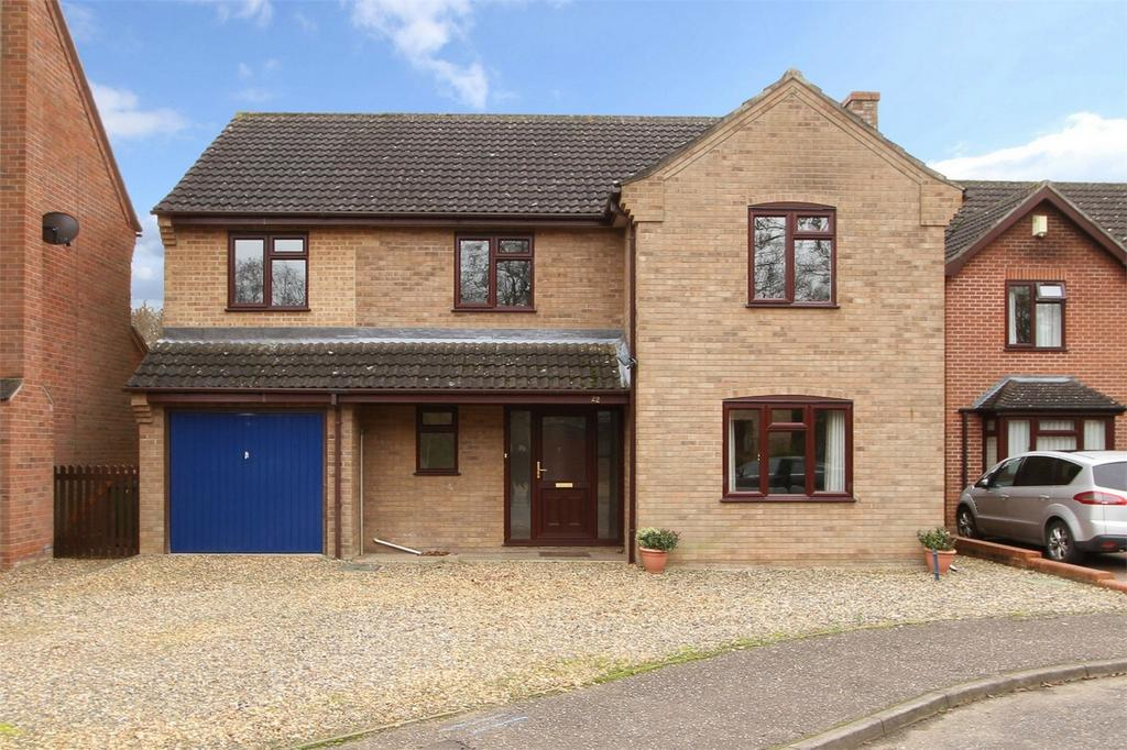 5 Bedrooms Detached House for sale in Hall Close, Hethersett, Norfolk