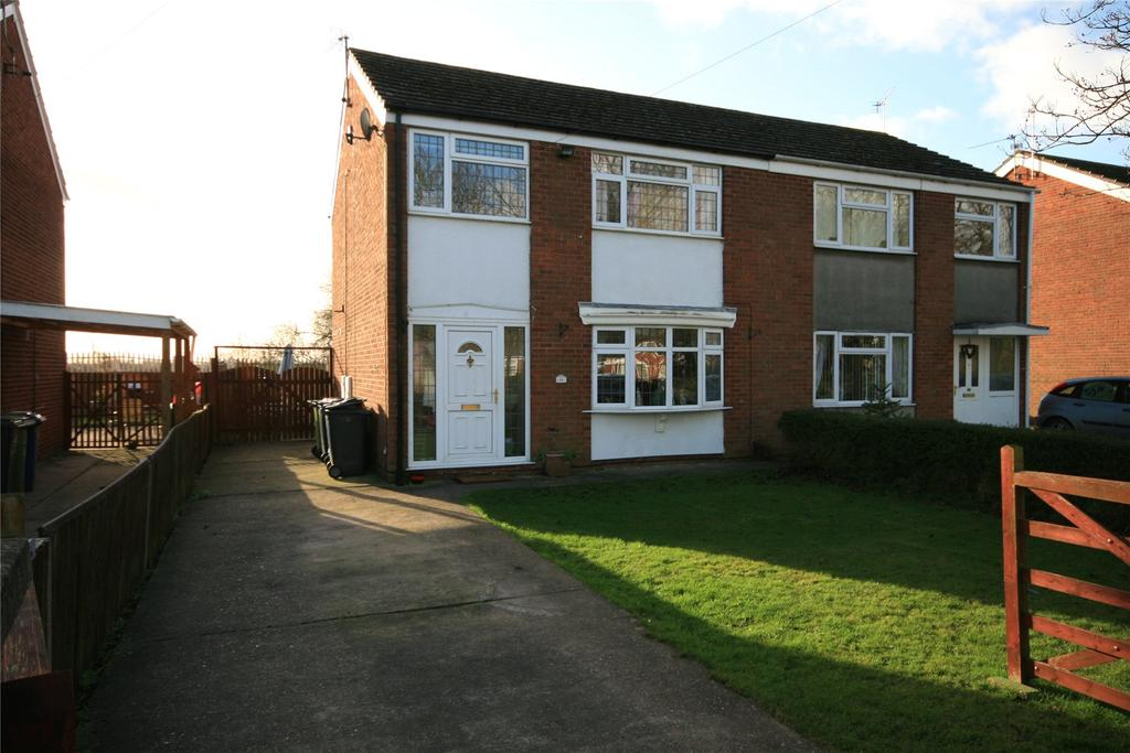 3 Bedrooms Semi Detached House for sale in Sykes Lane, Saxilby, LN1