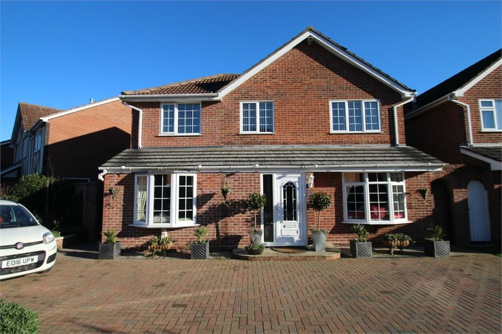 4 Bedrooms Detached House for sale in Pilborough Way, COLCHESTER, Essex