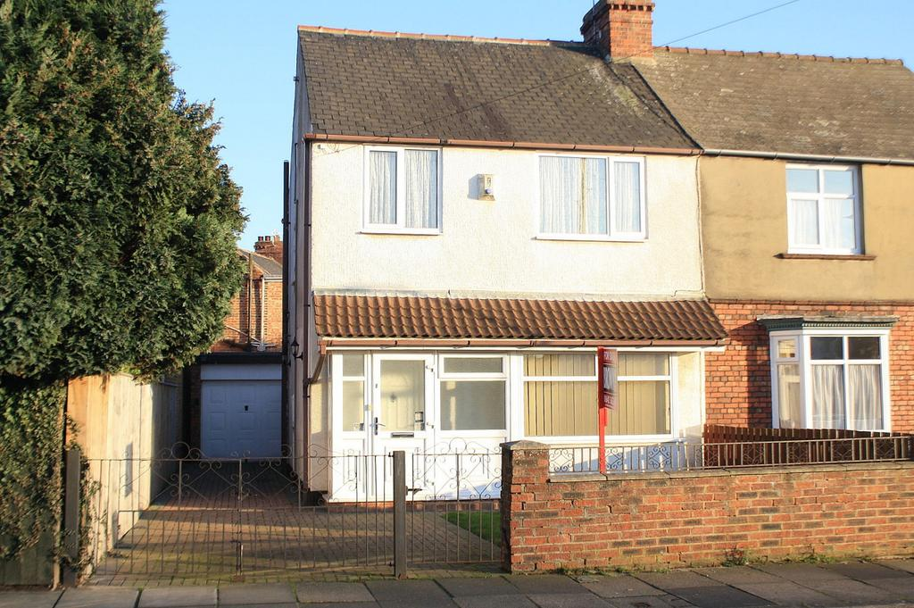 3 Bedrooms Semi Detached House for sale in Southfield Road, Norton, TS20