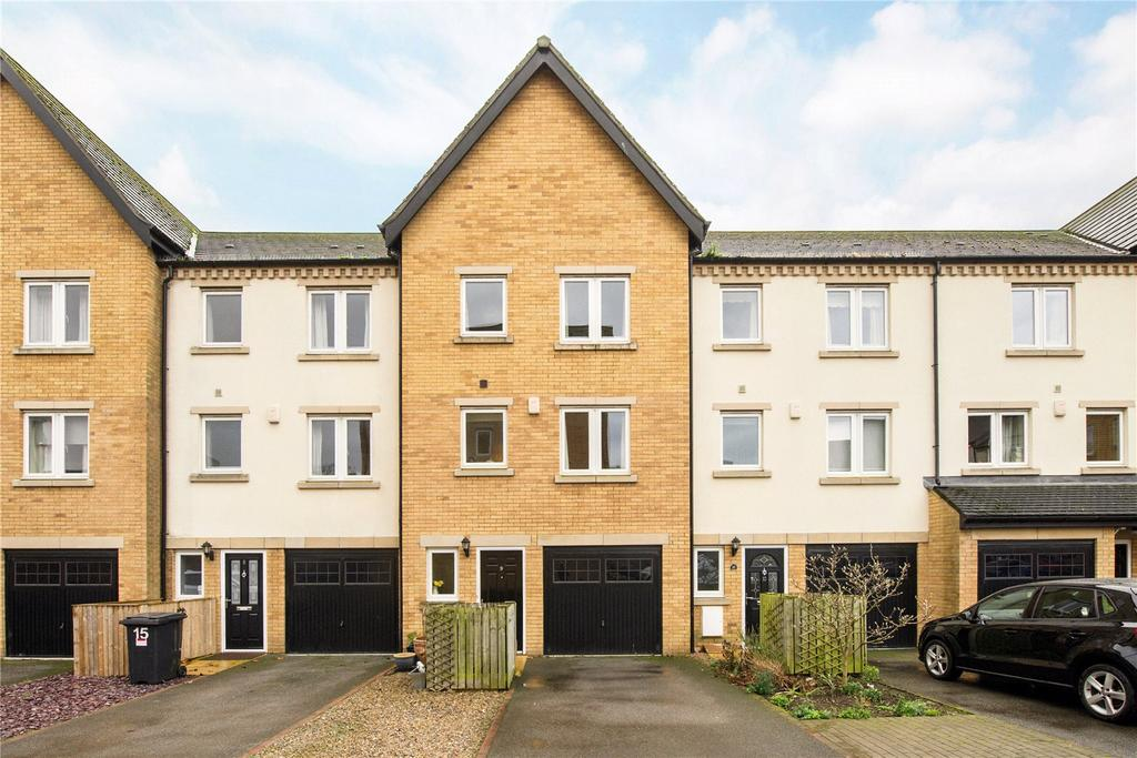 4 Bedrooms Terraced House for sale in William Court, Blue Bridge Lane, York, YO10