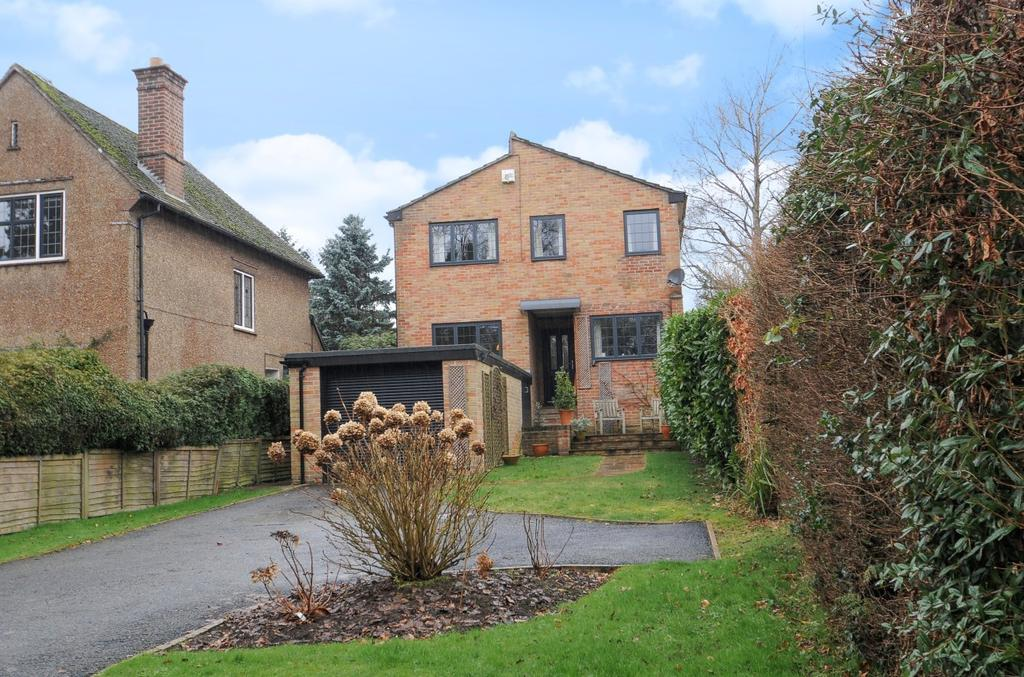 4 Bedrooms Detached House for sale in Bell Hill, Petersfield, GU32
