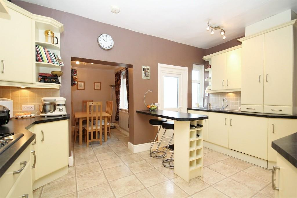 3 Bedrooms Semi Detached House for sale in 64 Dundee Street, Barrow-In-Furness