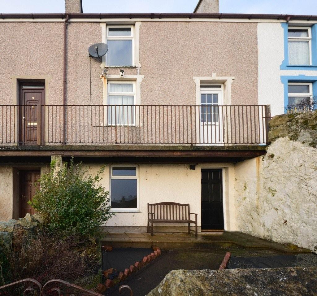 3 Bedrooms Terraced House for sale in Pump Street, Holyhead, North Wales