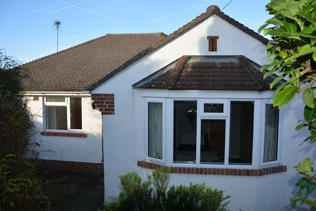 3 Bedrooms Detached Bungalow for sale in Woodspring Crescent, Weston-super-Mare