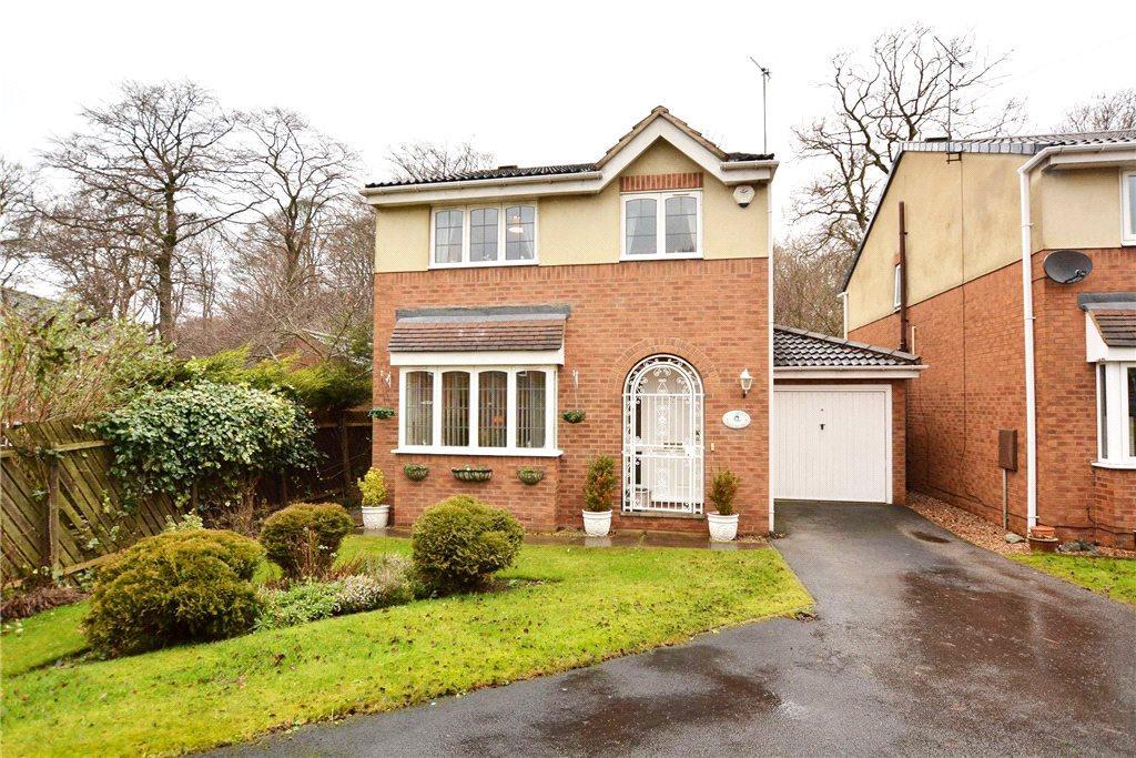 4 Bedrooms Detached House for sale in Parkside Close, Leeds, West Yorkshire