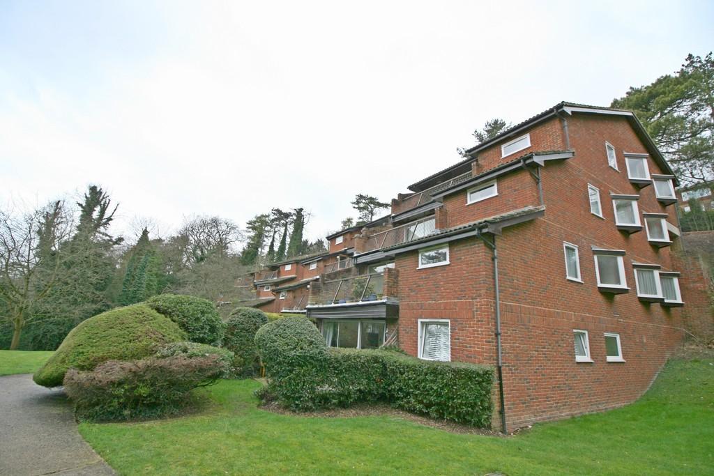 1 Bedroom Apartment Flat for sale in Warlingham, Surrey