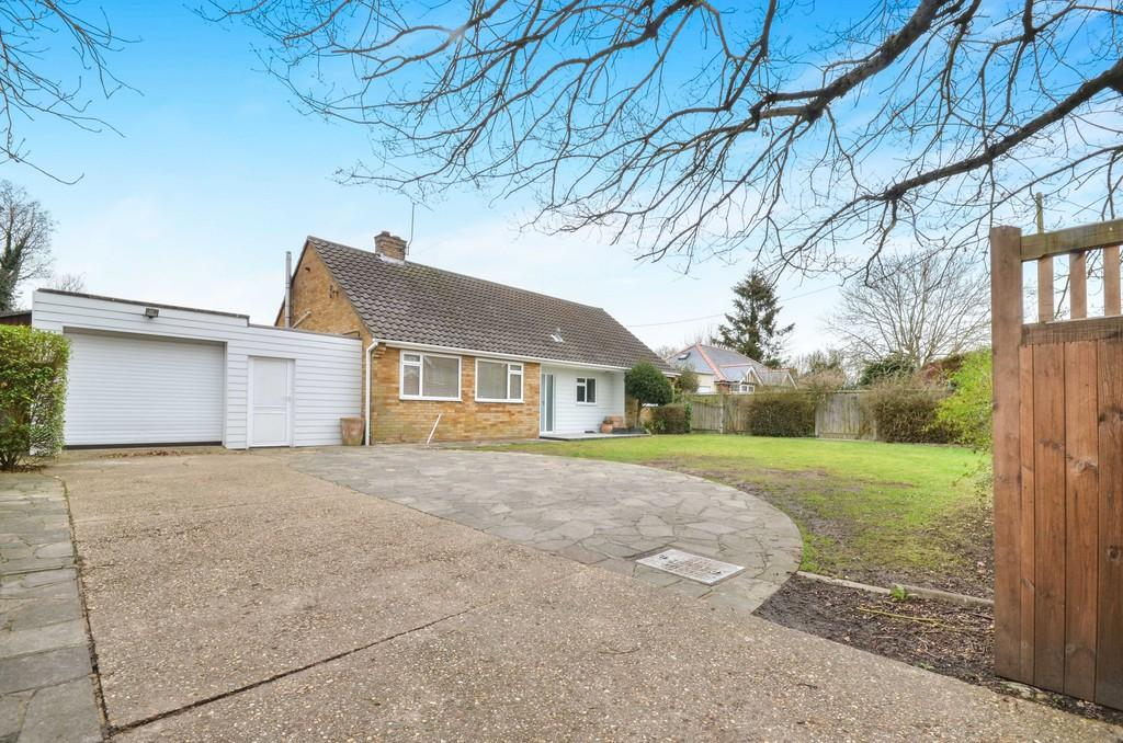 3 Bedrooms Detached Bungalow for sale in Wood Lane, Fordham Heath, West Colchester