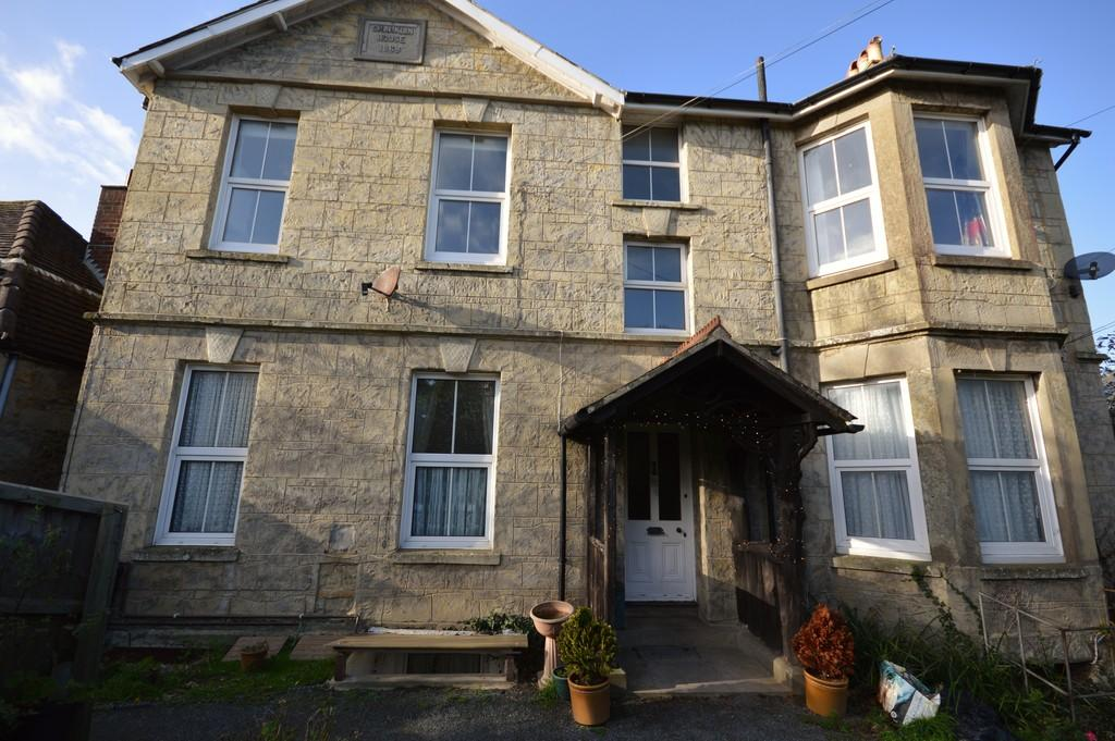 4 Bedrooms Ground Flat for sale in Prospect Road, Shanklin