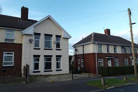3 bedroom end of terrace house to rent - Gregg House Crescent, Shiregreen