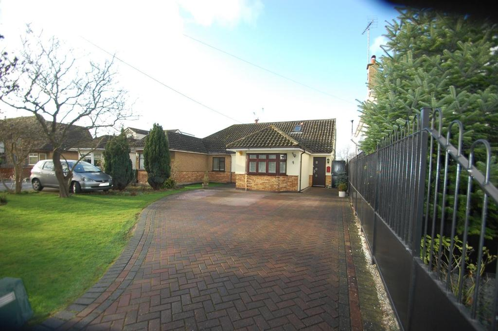4 Bedrooms Chalet House for sale in Church Lane, Bulphan, Upminster, Essex, RM14