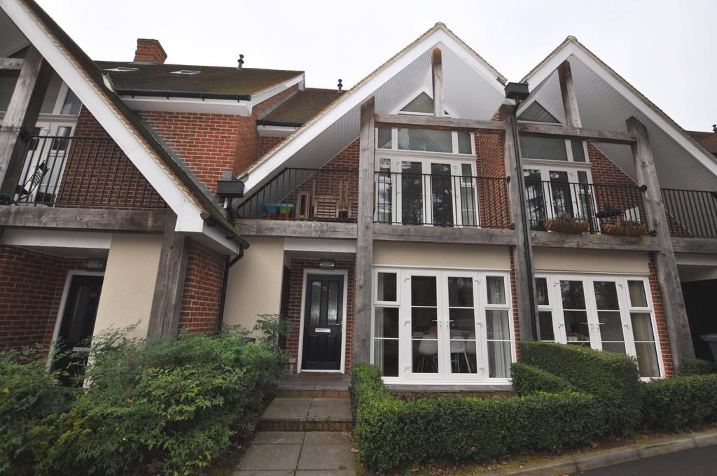 4 Bedrooms Terraced House for sale in Uplands Road, Guildford
