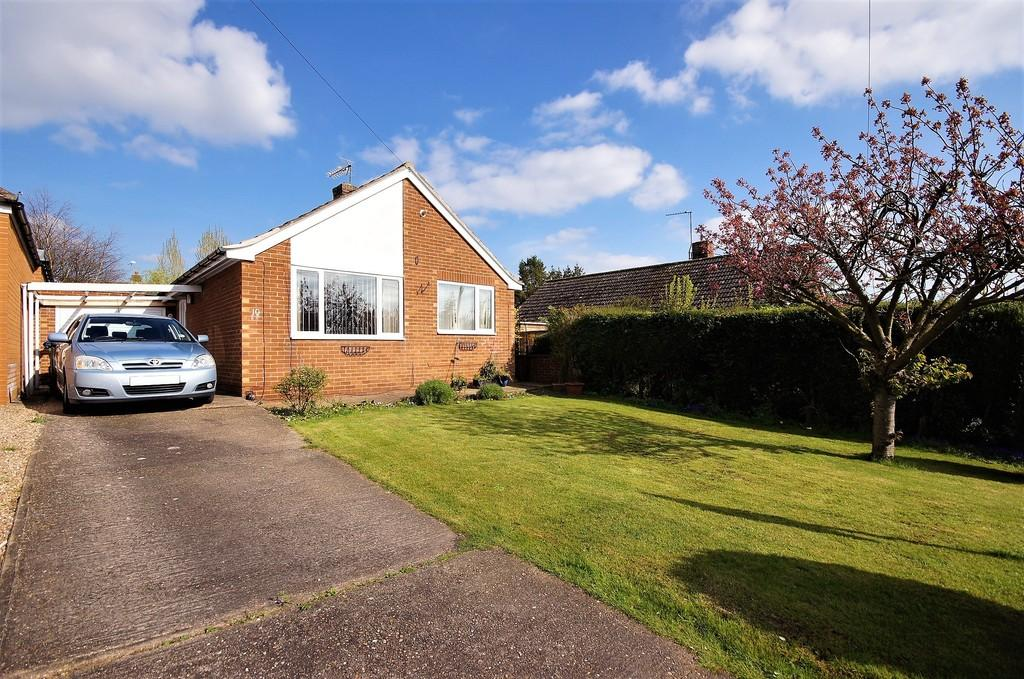 2 Bedrooms Detached Bungalow for sale in Larkin Avenue, Cherry Willingham, Lincoln