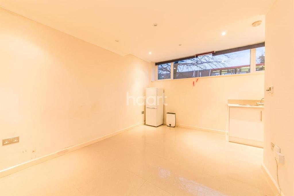 2 Bedrooms Flat for sale in Connaught Towers, London Road, Croydon, CR0
