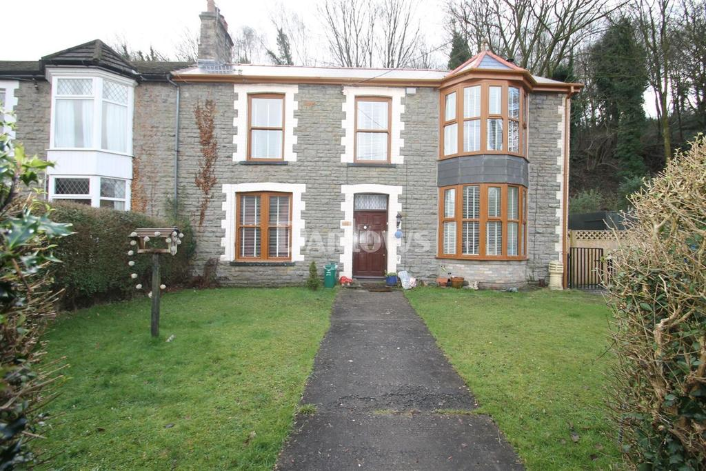 3 Bedrooms Semi Detached House for sale in Barry Road, pwllgwaun