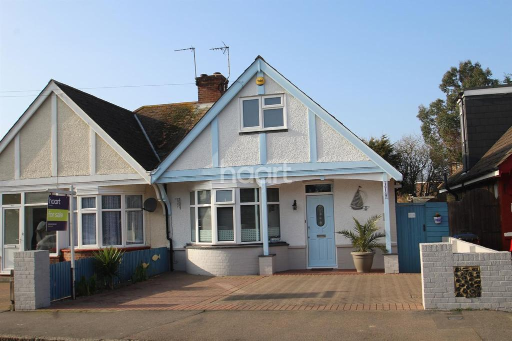 3 Bedrooms Bungalow for sale in Beacon Road. Broadstairs, CT10