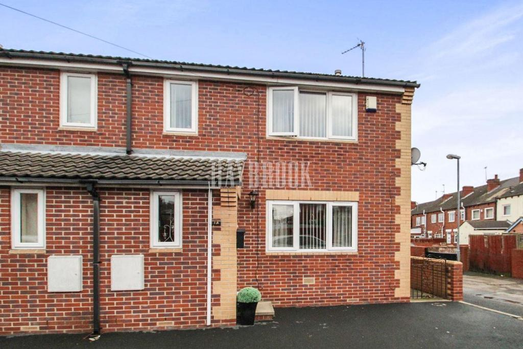 3 Bedrooms End Of Terrace House for sale in King Edward Street, Hemsworth