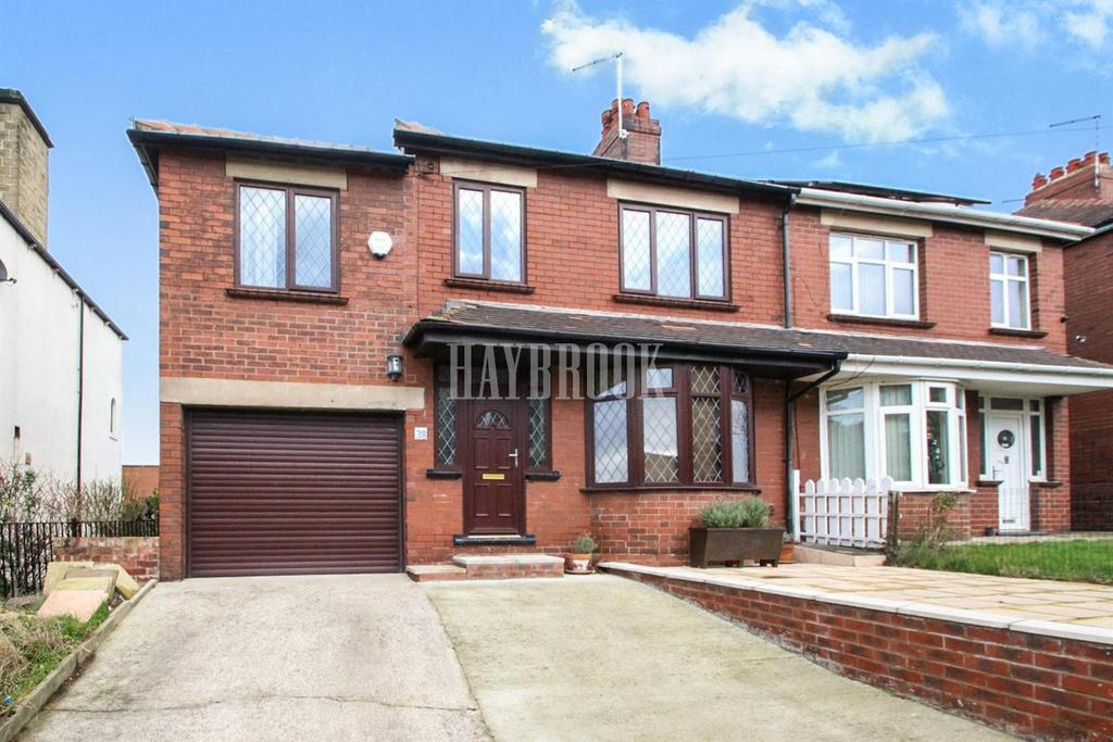 4 Bedrooms Semi Detached House for sale in Queens Road, Oakwell