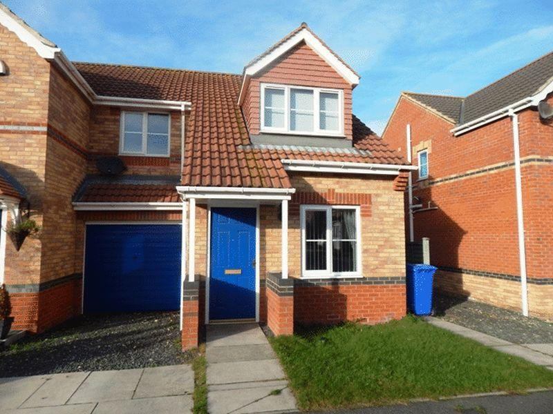 3 Bedrooms Semi Detached House for sale in Rayburn Court, Blyth