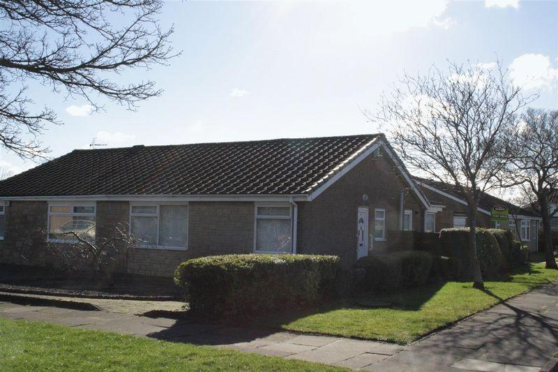 2 Bedrooms Bungalow for sale in Ganton Avenue, Cramlington