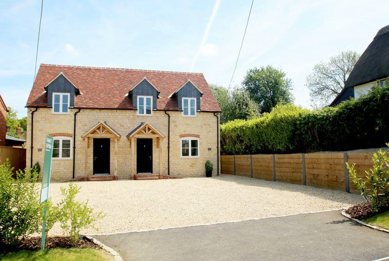 4 Bedrooms Village House for sale in Tiddington, Oxfordshire