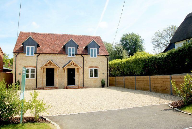 4 Bedrooms Village House for sale in Tiddington, Oxfordshire
