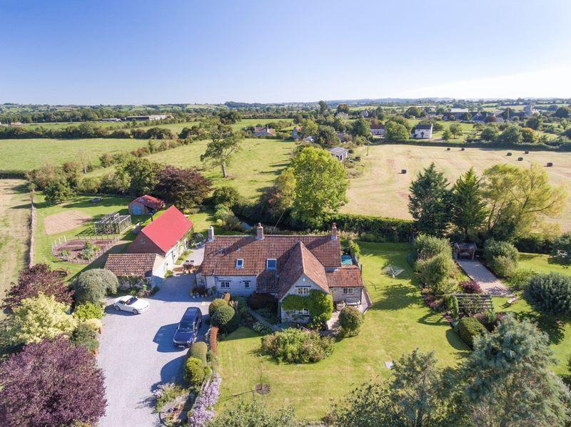 4 Bedrooms Detached House for sale in Lovington - Between Castle Cary and Glastonbury