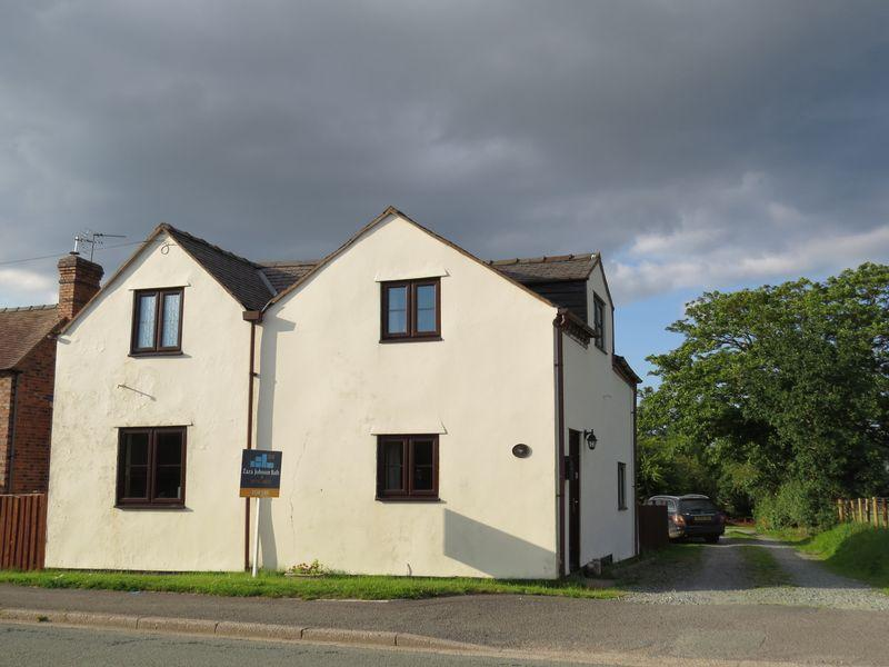 3 Bedrooms House for sale in Old Smithy Cottage, Holyhead Road, Bicton, Shrewsbury, SY3 8EF